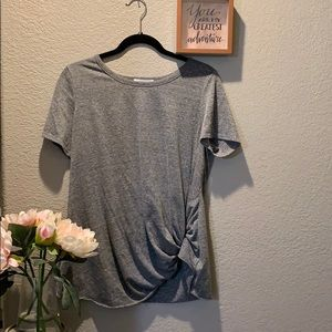 🎄Socialite heathered grey knotted T-shirt size L